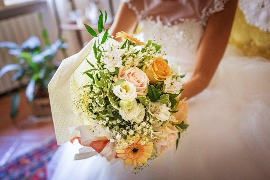 Bouquet-Sposa-per-Matrimonio-a-Genova